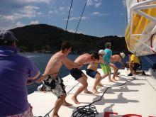 Total / Séminaire Incentive. Réunion, privatisation du catamaran pour une croisière avec repas à bord, activité nautique et aquatique (kayak, plongée, jet ski, paddle,...)